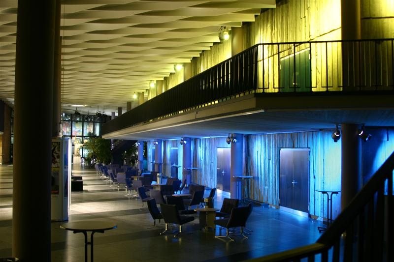 http://tal-chemnitz.de/cardboard.datastore/TAL-articles/2005-07-16-Stadthalle-Chemnitz/IMG_2570_(Medium).JPG