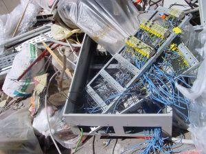 http://tal-chemnitz.de/cardboard.datastore/TAL-articles/2006-06-12-ElektroG/199071_scrap_1.jpg