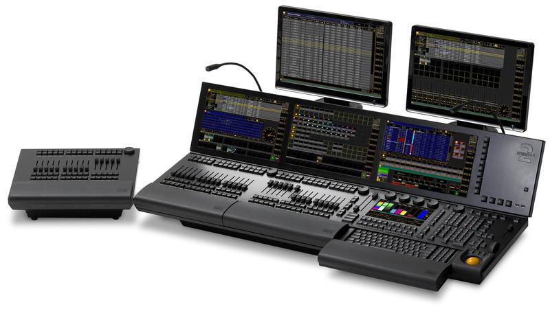 http://tal-chemnitz.de/cardboard.datastore/TAL-articles/2008-10-20-Tag-der-TAL-2008/Lightpower_GrandMa_2_Full_Size_mit_Wing_und_Keyboard_800px.jpg